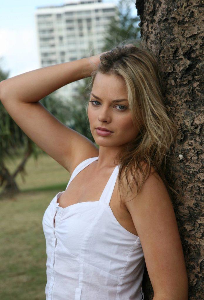 Sexy Margot Robbie Photos   Nude Margot Robbie - Barnorama