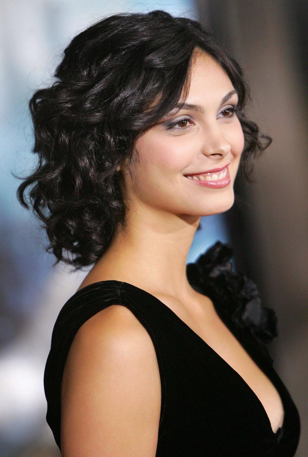 30 Sexy And Beautiful Morena Baccarin Photos Barnorama