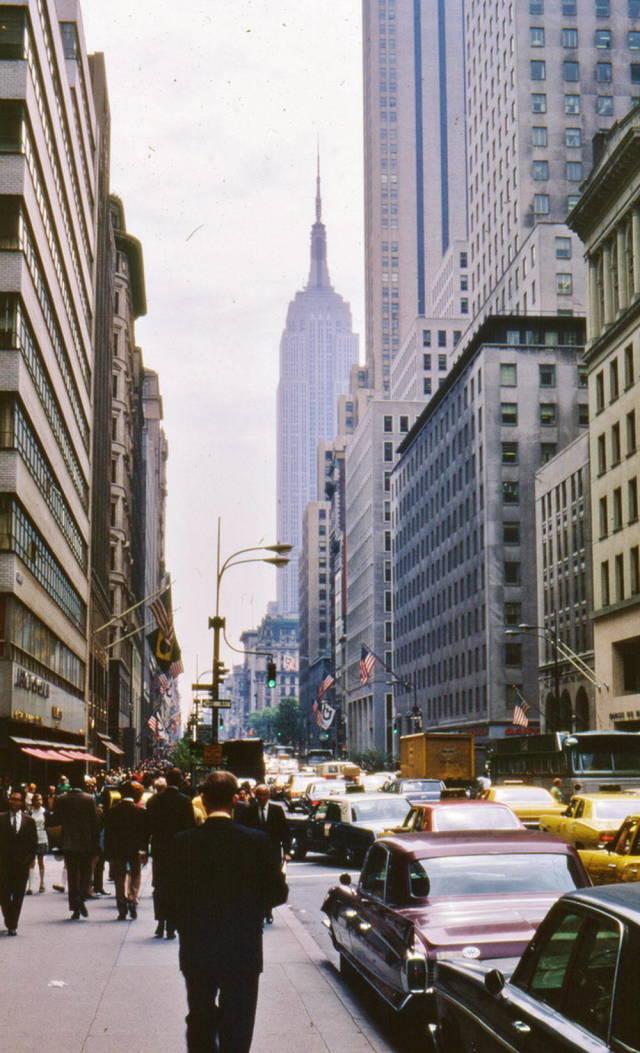 New Volkswagen Beetle >> 40 Photos Of New York City In 1969 - Barnorama