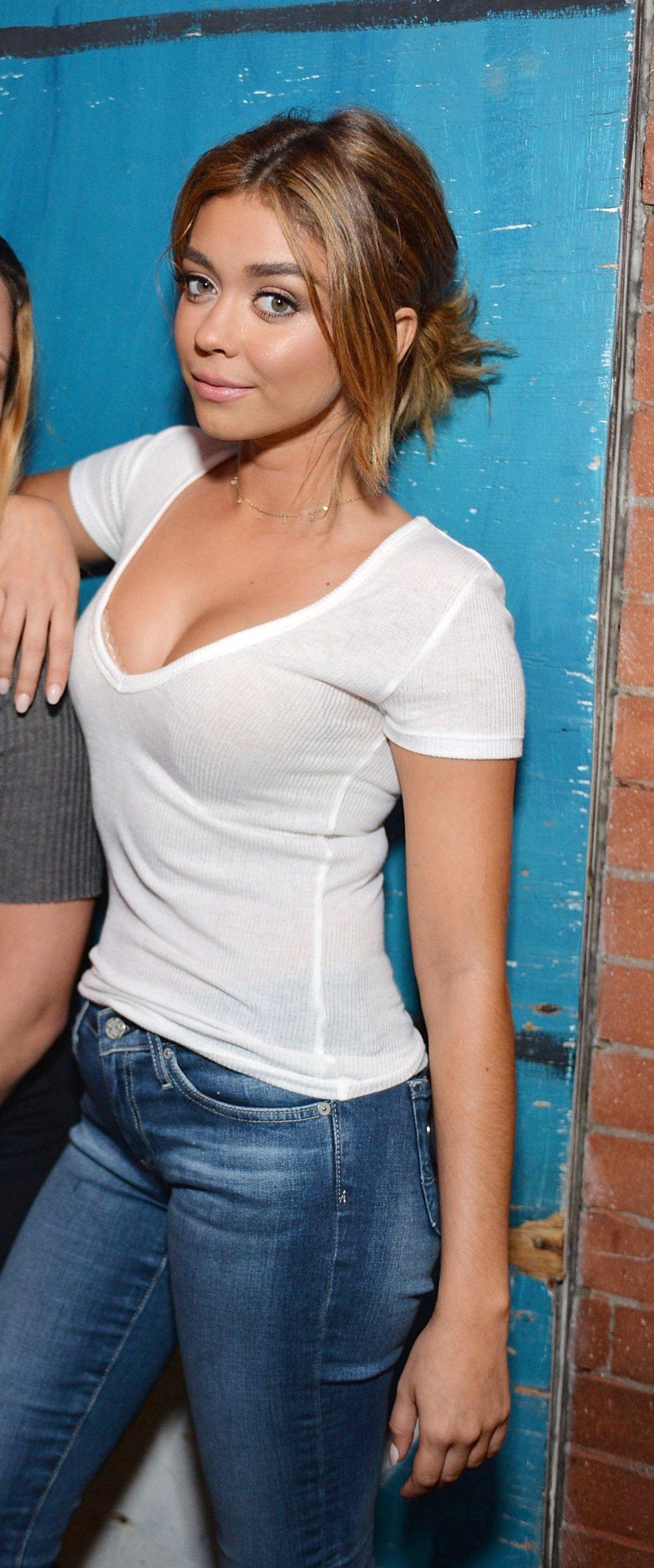 Sarah hyland hot photo