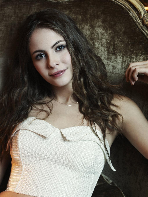 Hot And Sexy Beautiful Willa Holland Pics - Barnorama