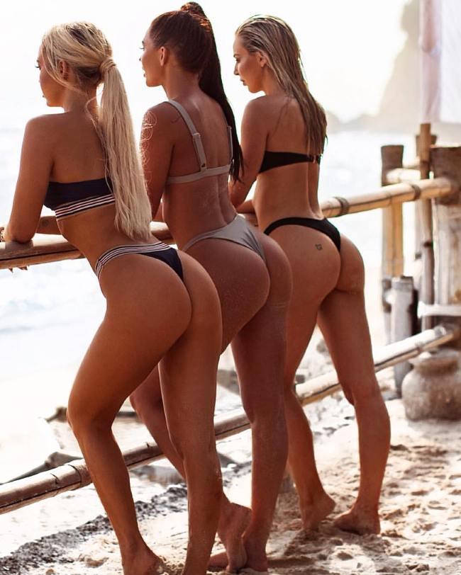 Sexy Babes Bent Over