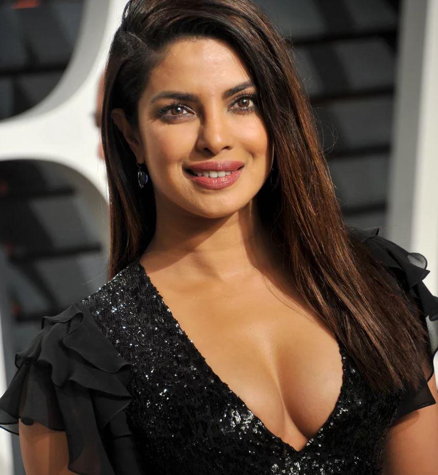 Priyanka Chopra Nude - Barnorama
