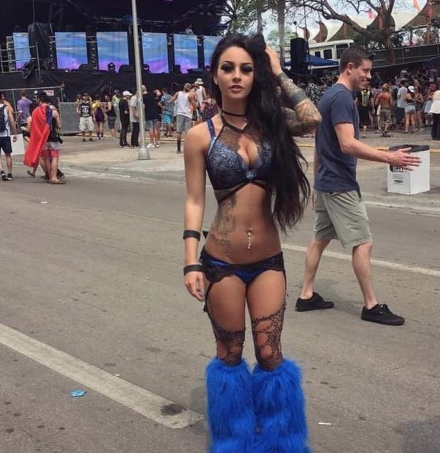 Hot Festival Girls Barnorama