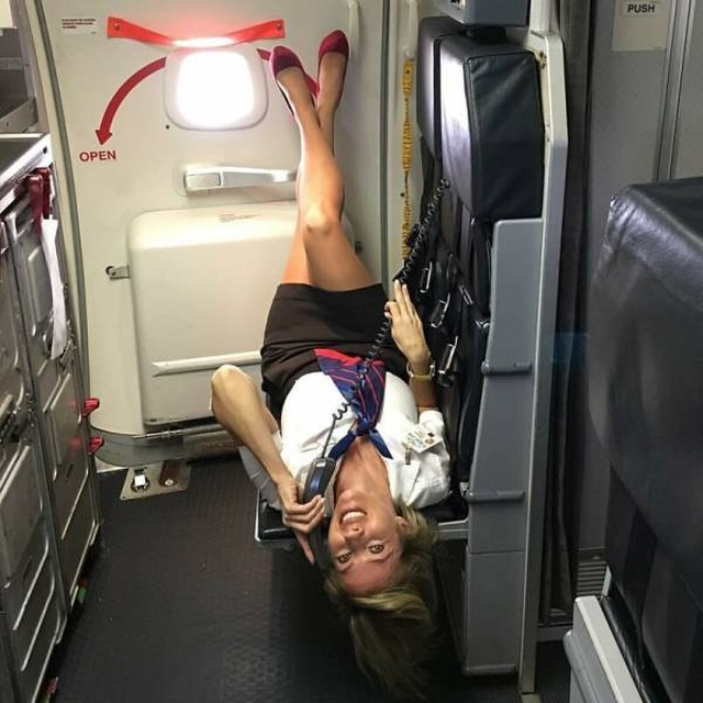 40 Sexy Flight Attendants That Need Your Attention - Madspread