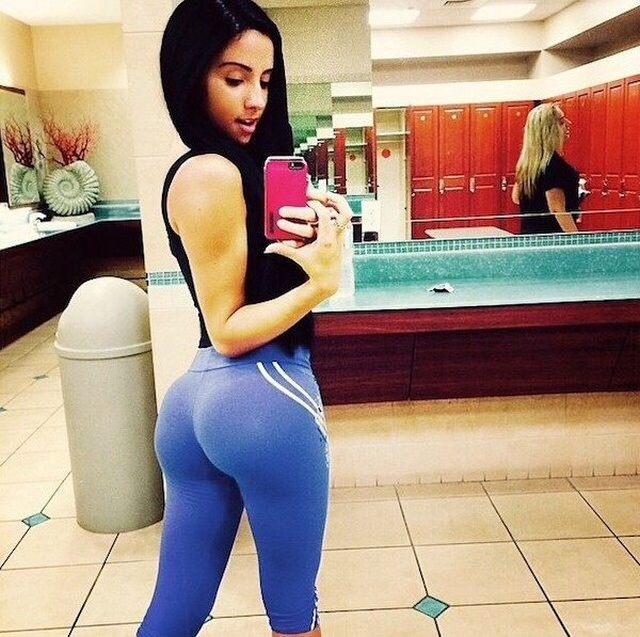 Hot And Sexy Girls In Yoga Pants - Barnorama