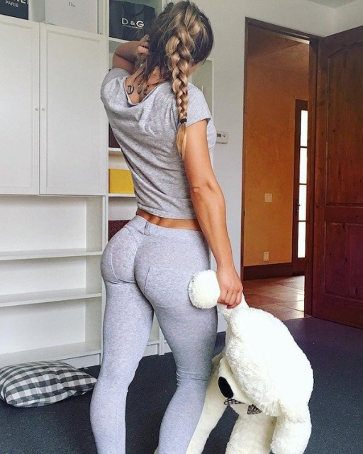 Hot And Sexy Girls In Yoga Pants - Barnorama-6309