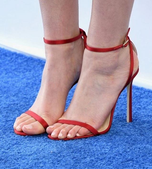 eliza coupe feet