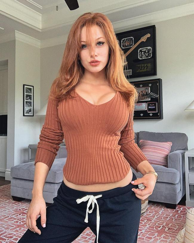 Hot nude red head girls