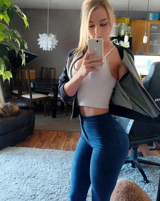 Hot Teen Pussy