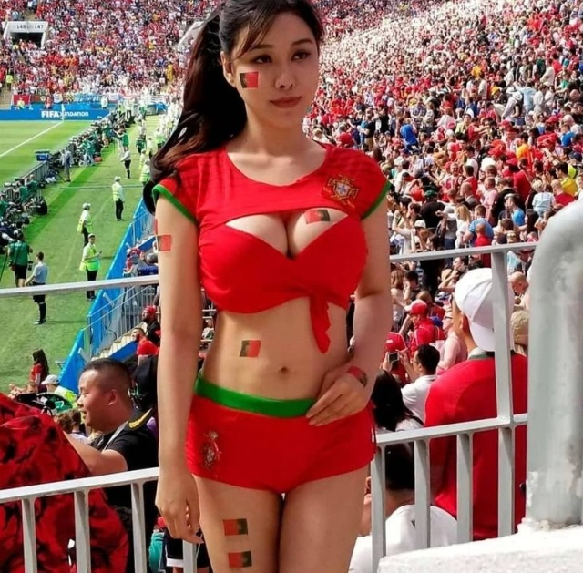 very hot fans   barnorama
