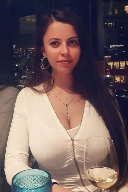 Hot And Sexy Busty Girls