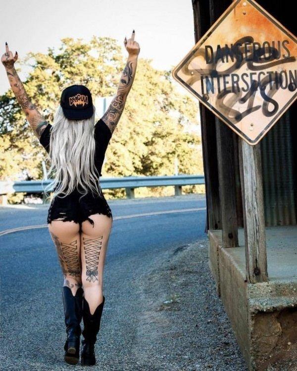 50 Girls With Sexy Tattoos - Barnorama-4968
