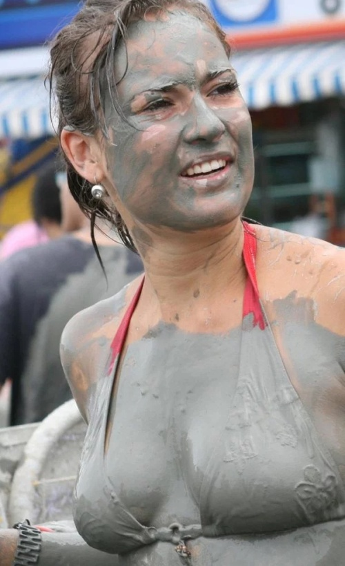 25 Hot And Sexy Mud Girls - Barnorama-6633