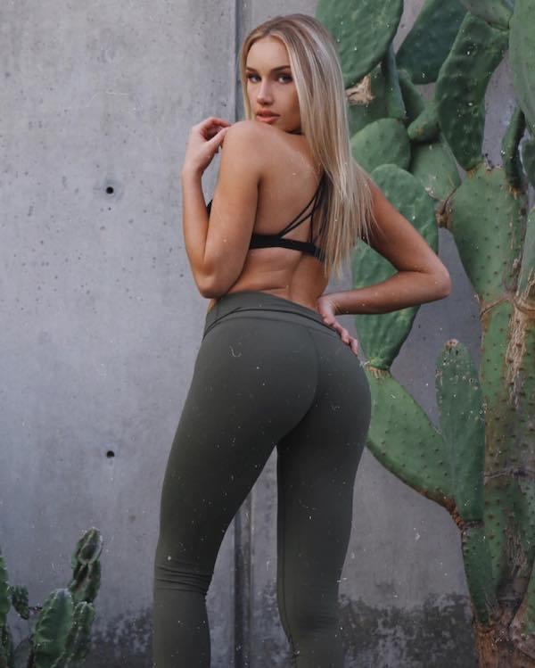 32 Sexy Yoga Pants Girls Barnorama