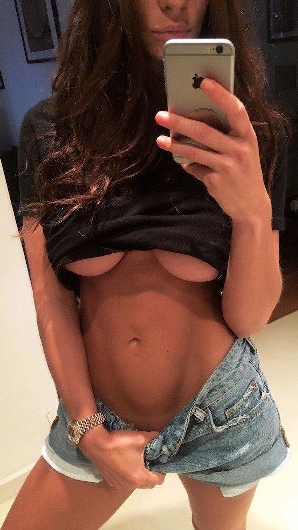 31 Hot And Sexy Underboob Pics - Barnorama-2864