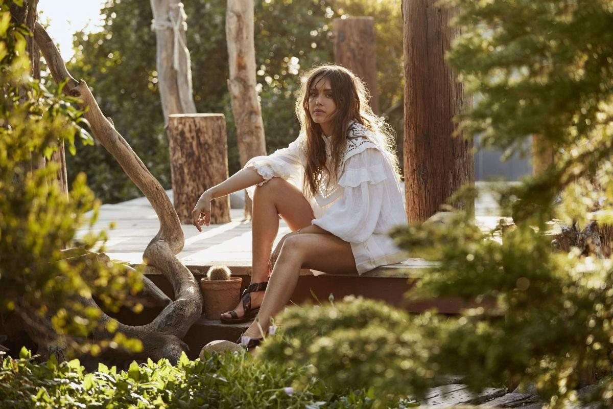 and bikini alba Jessica