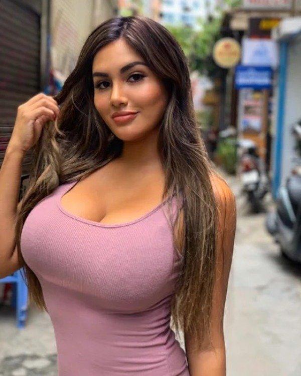 Hot latinas in bikinis