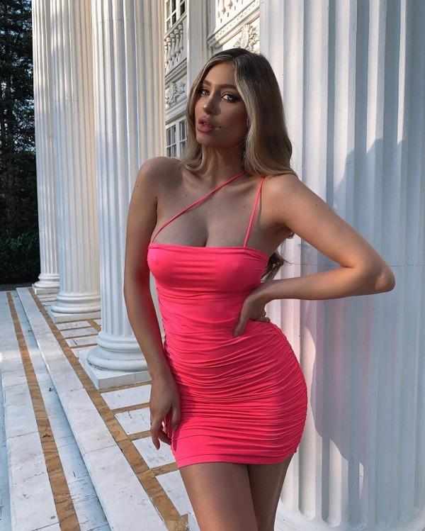 50+ Hot Girls In Tight Dresses - Barnorama