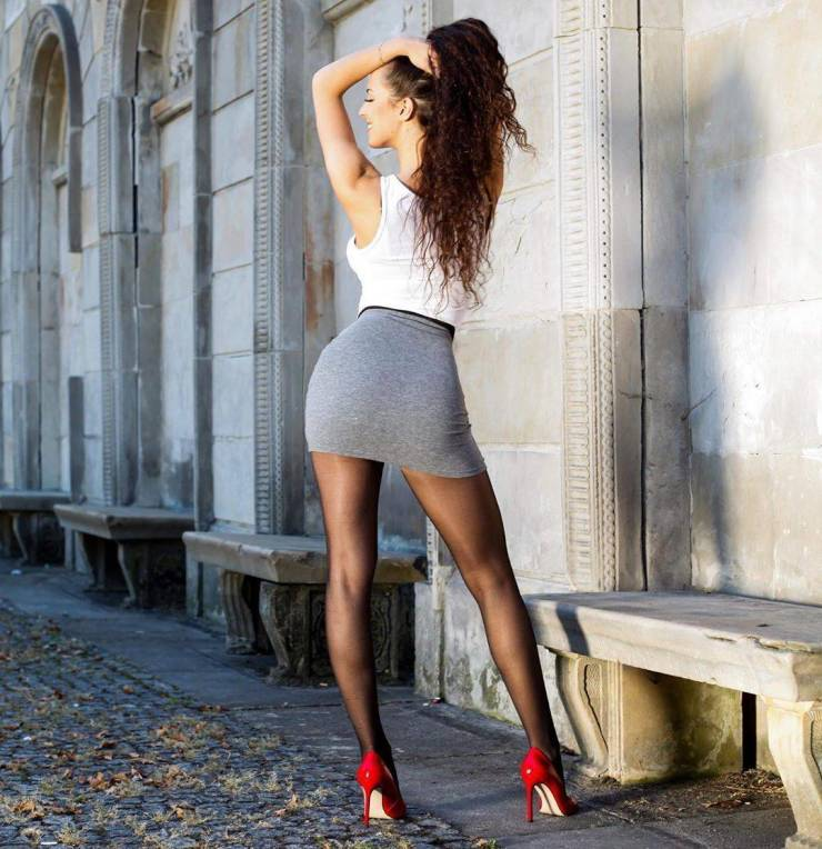 53 Hot Girls With Mini Skirts