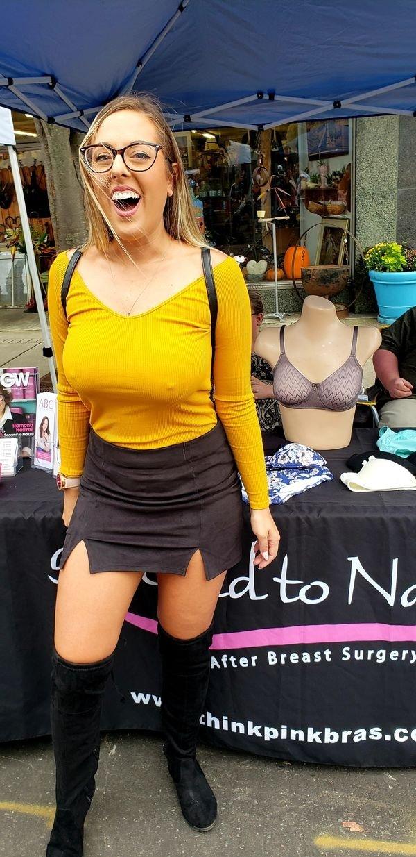 49 Hottest Busty Girl Photos - Barnorama
