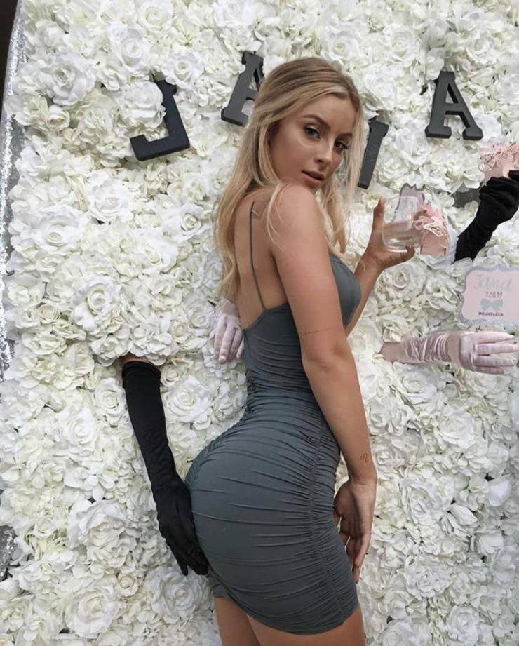 50 Hot Girls Wearing Tight Dresses - Barnorama
