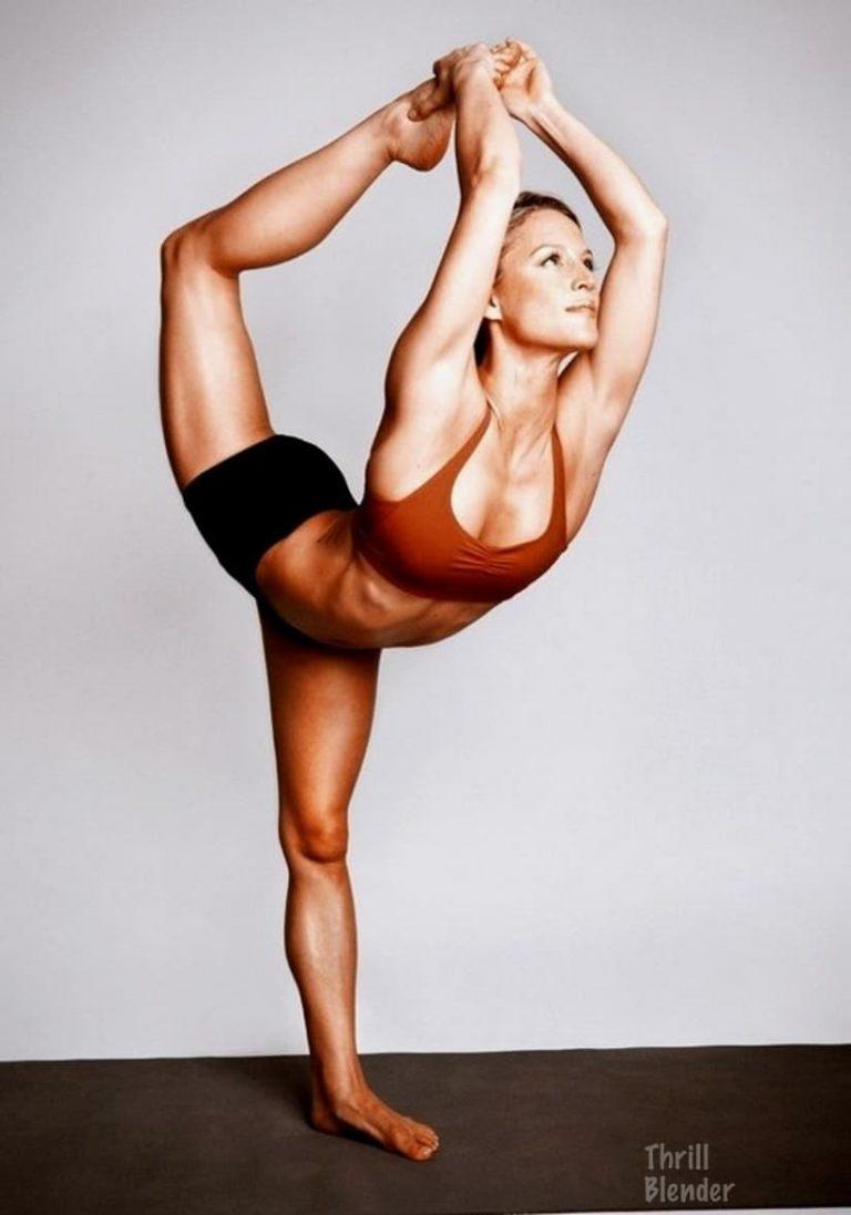 39 Hot Girls Doing Yoga - Barnorama