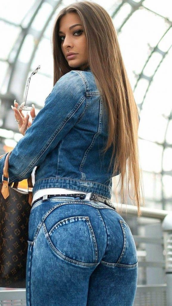 50 Hottest Girls In Tight Jeans - Barnorama