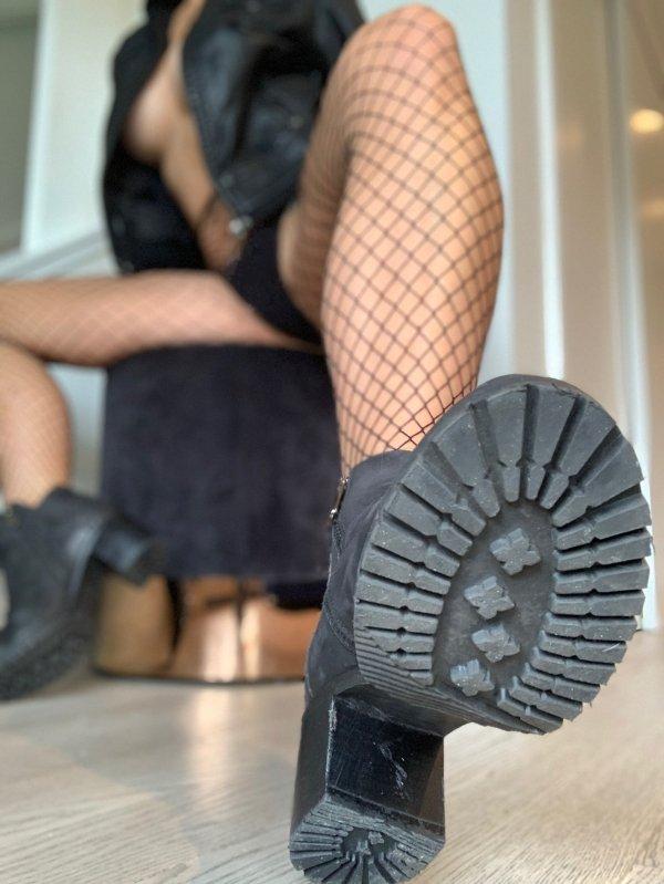 32 самые горячие девушки в кружевах и сеточках - Barnorama