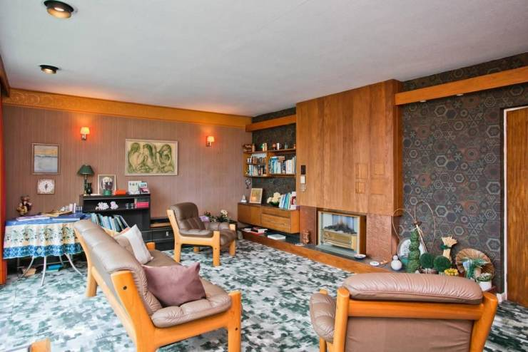 Cool Three-Bed House 'Frozen In 1970s' With Orange Sofas ...